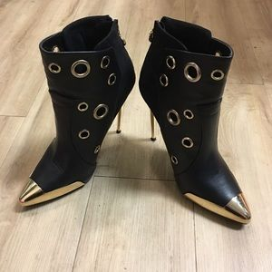 Shoes - Black gold heel boots size 8